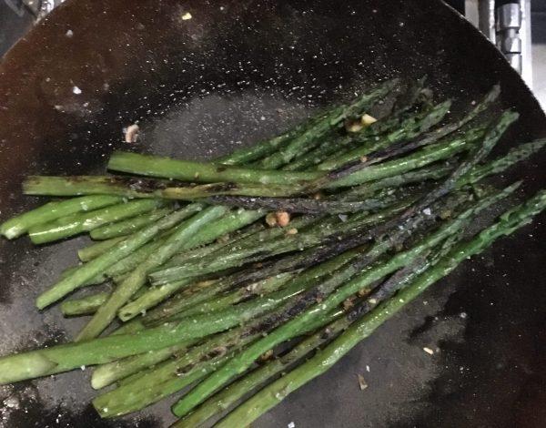 Pistachio Crusted Asparagus